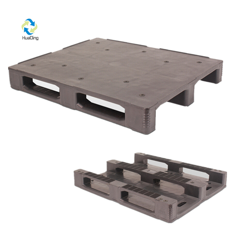 3Runners Industrial Stackable Plastic Pallet