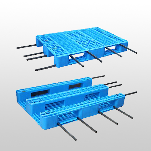 Plastic Pallet with 3 Runners, Closed Deck.Rackable.